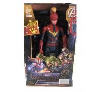 Супергерой Капитан Марвел в шлеме Мстители