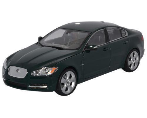 Автомодель Welly Jaguar XF 22497
